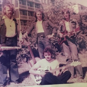 PHON 1975