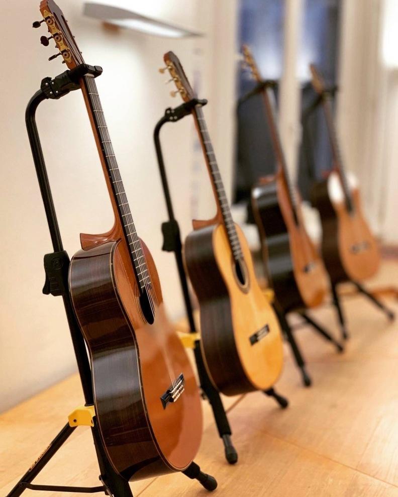 Zander-Gitarren in der HfMT HH, Foto © Frank Eschenauer