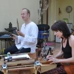 Praxisjubiläum in Mannheim am 07.07.2013 Kwa Moyo, mit Jan-Philipp Tödte (Shaker, Bass, Schellenkranz) und Ate Damm (Kalimba und Gesang)