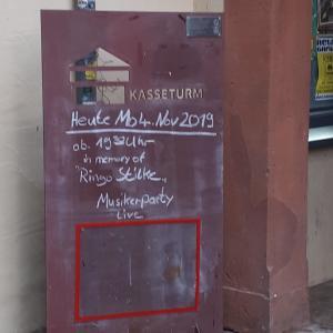 wunderschöne Werbetafel vorm Kasseturm Weimar