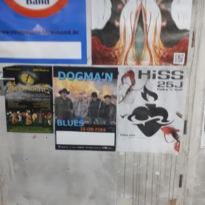 Plakatwand in der Tiefgarage