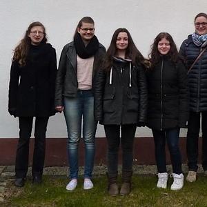 v.l.n.r.: Lukas Richter, Monika Gärtner, Franziska Kintzel, Monique Rothenberger, Annalena Senft, Ulrike Kreipe, Dozentin: Franziska Hofmann