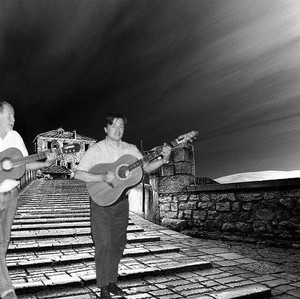 Adnan Pintul i Josip Sliško na Starom mostu u Mostaru (Photoshop)