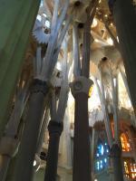 Innenraum der Sagrada Familia in Barcelona