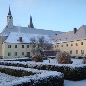 Klostergarten im Winter; Foto: CMR