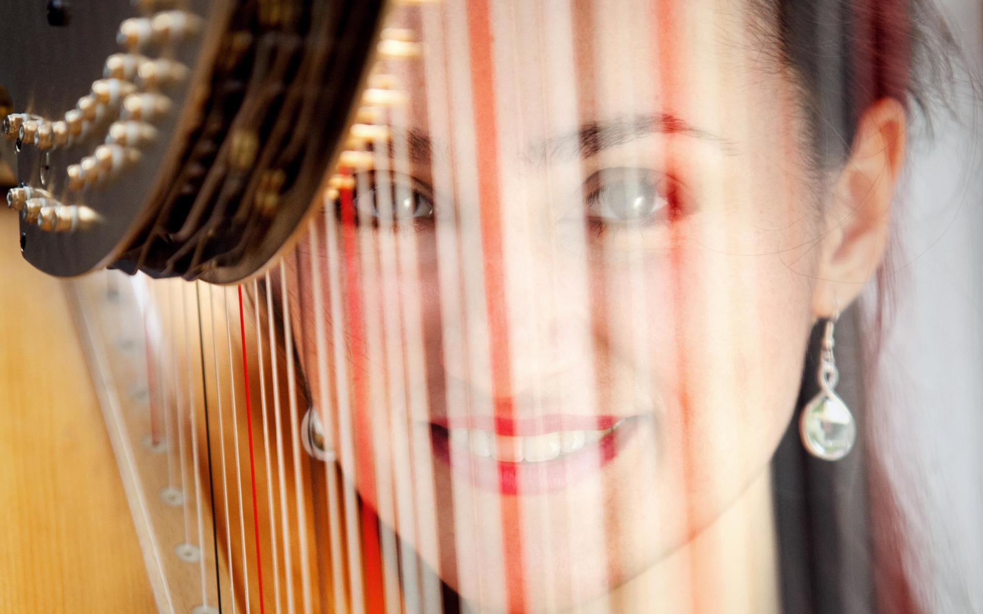 Harfenistin Linda Frank