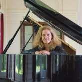 Pianistin für Hochzeit & Event