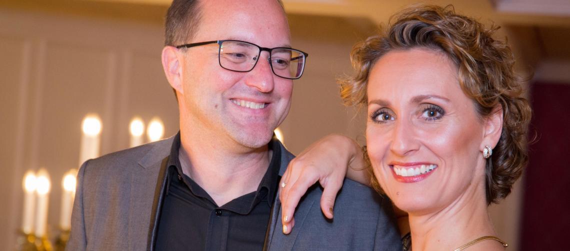 Katja Bördner mit Pianist und Duo-Partner Nico Stabel