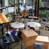 Das Büro des Percussionisten Sebastian Fuhrmann -mit Blick auf die Band