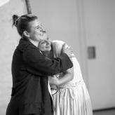 "Proben ""Fidelio"" - Larissa Angelini (Leonore), Daniela Ruth Stoll (Marzelline) © Uwe Hauth"