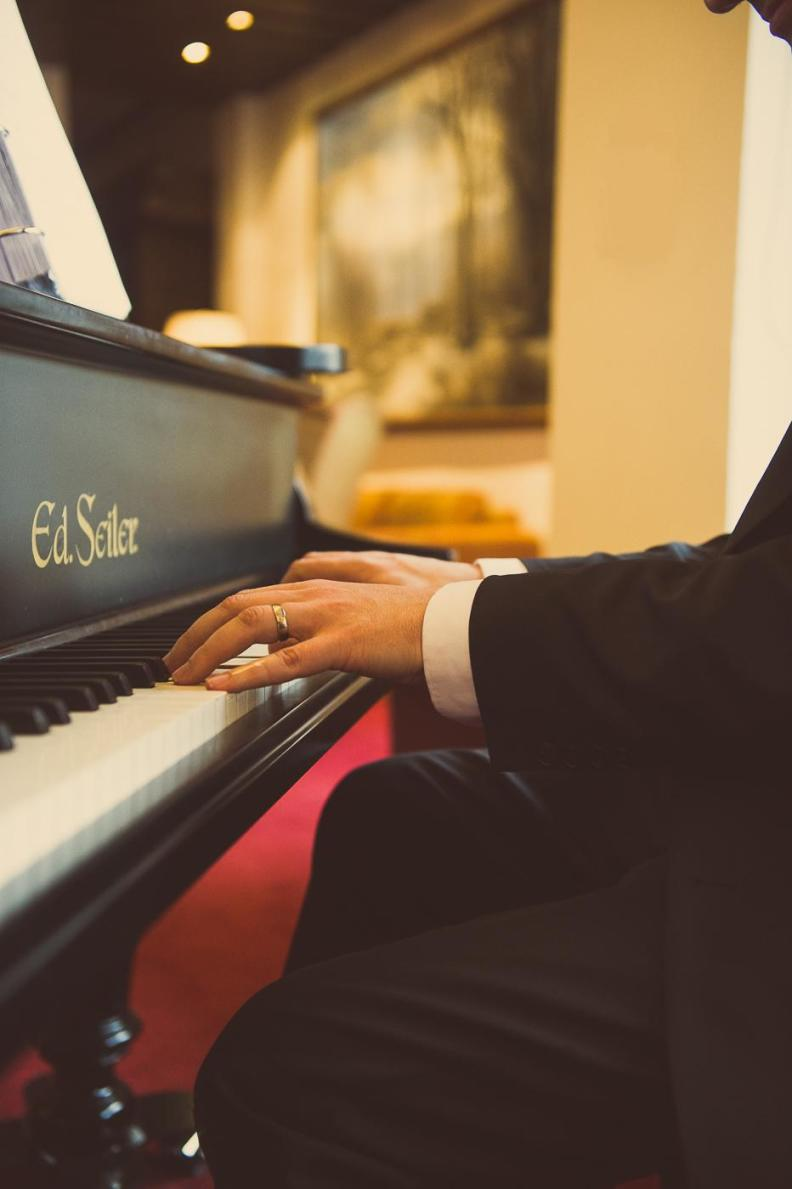 Klavierspieler München Bayern Hotel Pianist Barpianist Barpiano Barmusik