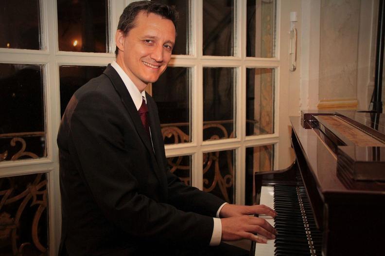 Pianist München Bayern Hochzeit Trauung Barpianist Barpiano