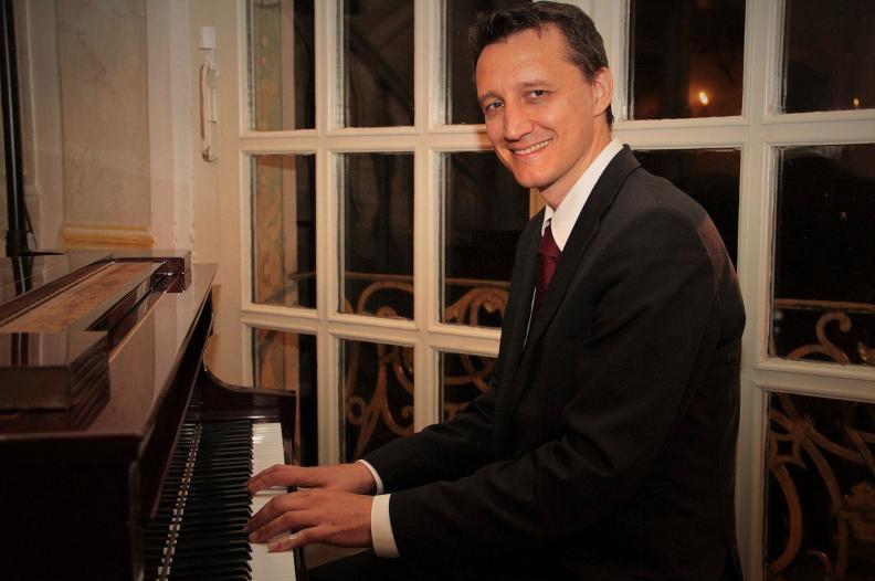 Pianist München Bayern Hochzeit Trauung Barpianist Barpiano Dinner