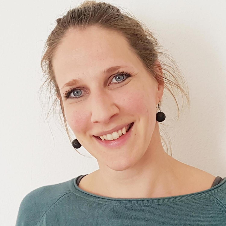 Sandra Strugalla, Schlagzeug, Musiktherapie