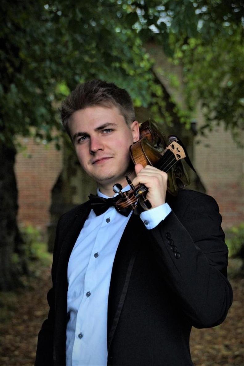 Ferdinand, Violine avec brilliance