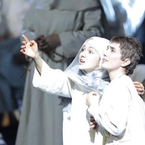 "Als Suor Genovieffa in G. Puccinis ""Suor Angelica"" (Suor Angelica - E. Jaho, Bayerische Staatsoper, München). Foto von W. Hösl."