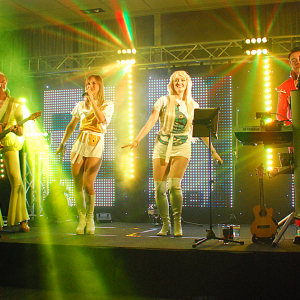 Isabel_Jasse_ABBA-Tribute-Show_Partyband_Merilyn