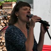 Elisabeth Wetzel, Gesang, Klavier